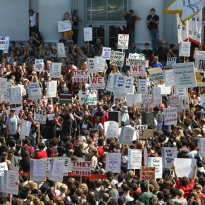 Students+Faculty+UC+Berkeley+Protest+Budget+bPl-7andlWZl